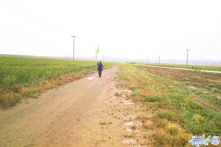 سفر یک نمازگراز برقبانی از شهرستان خوشاب برای شرکت در نماز جمعه - پای پیاده در راه نماز جمعه