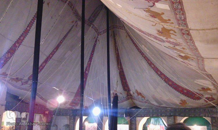 برپایی مراسم عزاداری ابا عبدالله(ع) زیر چادری با سابقه یک قرن در سبزوار